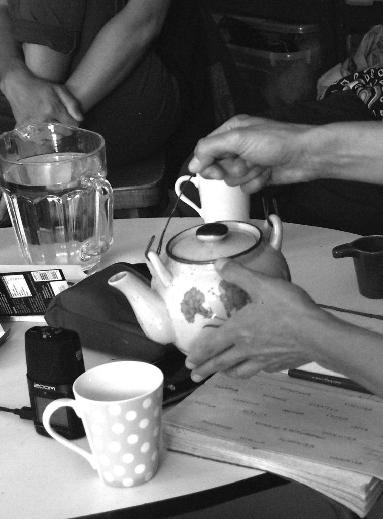 Projets sociaux et culturels. Partager des idées autour d'un thé.